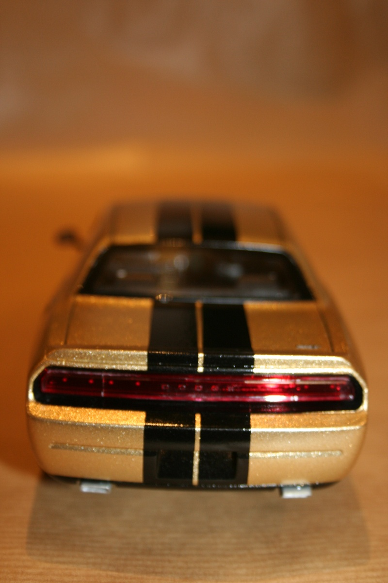 "'09 Dodge Challenger ""Ecstasy of Gold"" (Revell) [Terminé] 610"