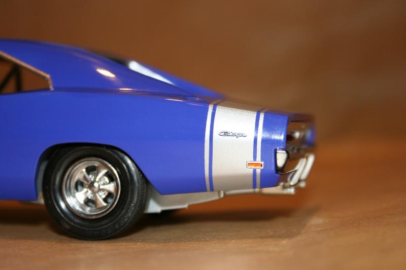"'69 Dodge Charger ""Plum not so crazy"" (MPC) [Terminée] 811"