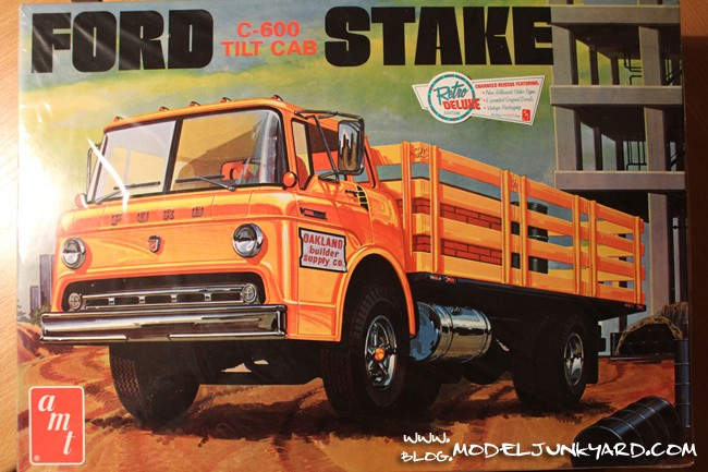 "Ford C-600 ""Tommy Grove Race Car Hauler"" (AMT) [STANDBY] Ford_c10"