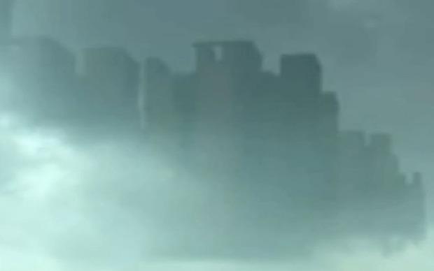Étrange ville dans le ciel. Floati10