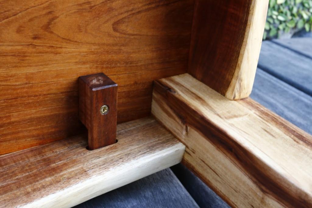 Une petite table basse en tamarin _mg_3310