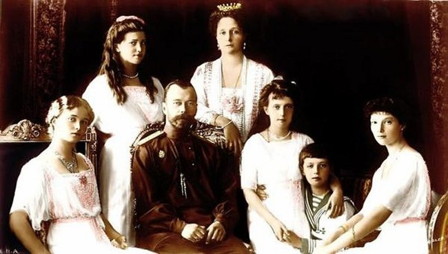 Le drame de Nikolas 2 tsar Russe et sa famille Nikola10