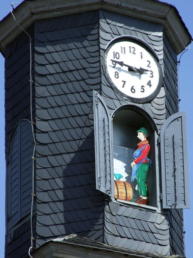 Reçu un beau diapo....Les horloges et pendules des rues..... - Page 4 Jac-ba10