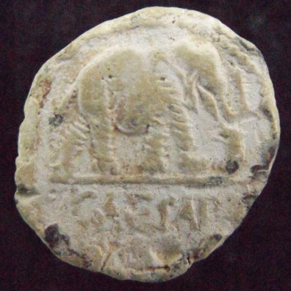 Les monnaies antiques en plomb Plomb_10
