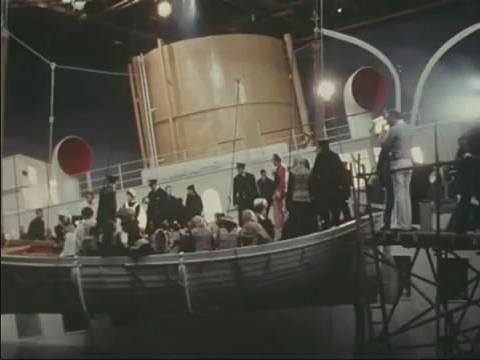 SOS Titanic (1979) - Page 5 Snapsh10