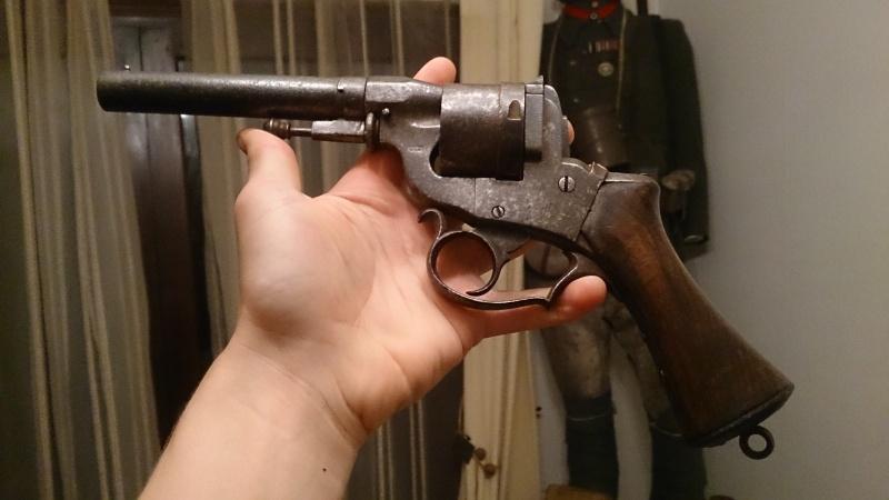 Une belle arme, le REVOLER PERRIN modèle 1859 trouvé chez un copain ! Dsc_0910