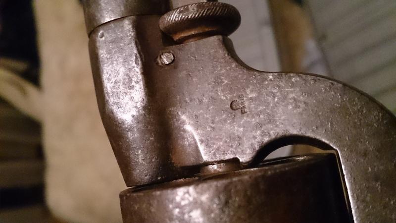 Une belle arme, le REVOLER PERRIN modèle 1859 trouvé chez un copain ! Dsc_0913