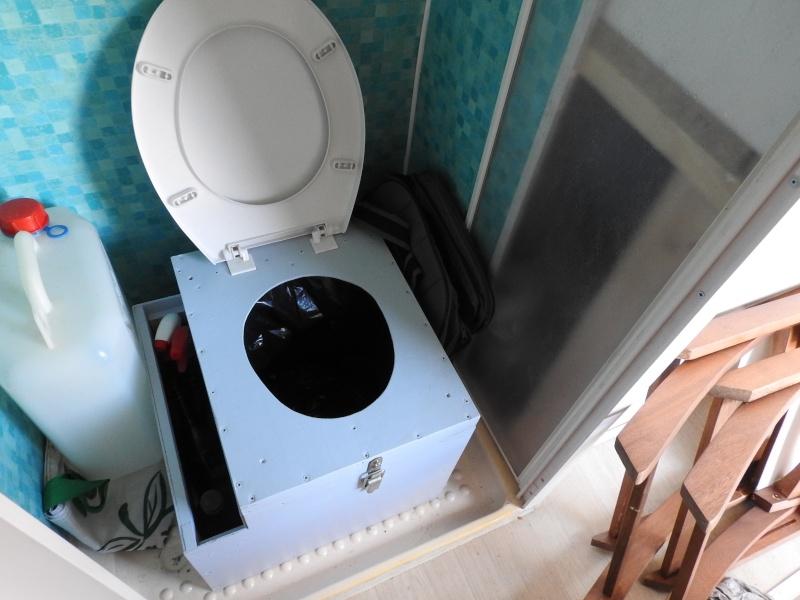 Présentation de mes toilettes séches fabrication perso  Dscn0512