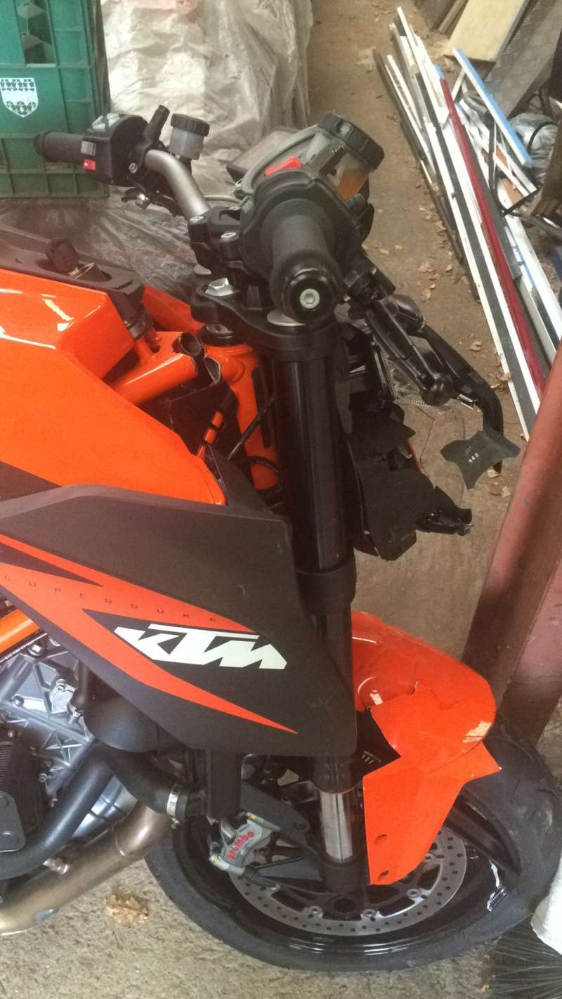 Accident ktm 1290 superduke R Image113