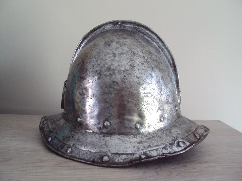 Casque d'infanterie XVII ème siècle Dsc03478