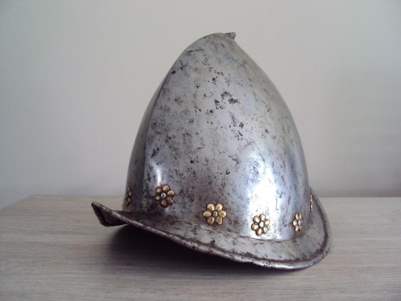 Un morion - cabasset du XVI ème siècle Dsc03626