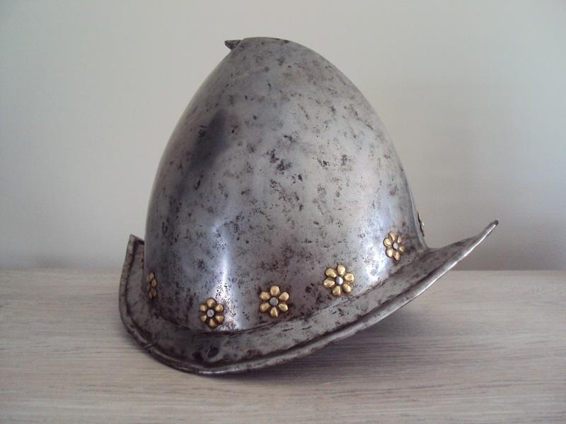 Un morion - cabasset du XVI ème siècle Dsc03627