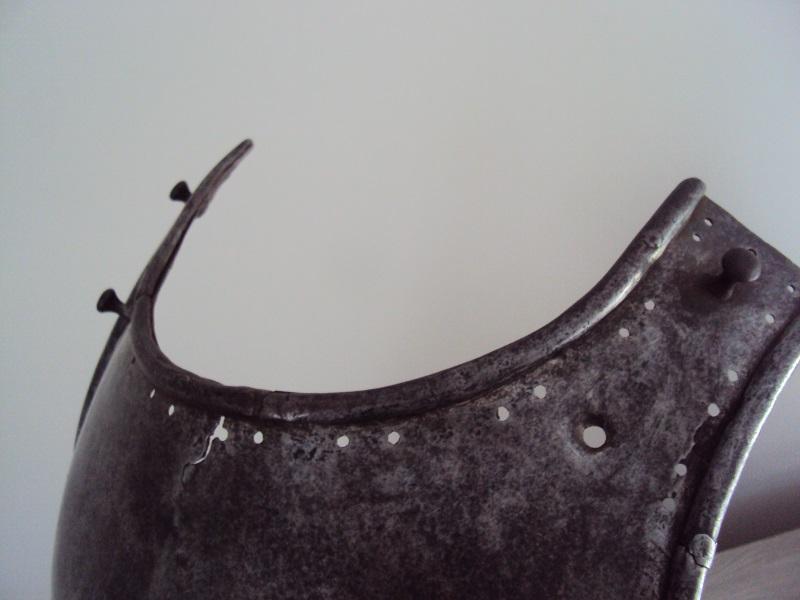 Morion, cuirasse, dague... XVII ème Dsc04033