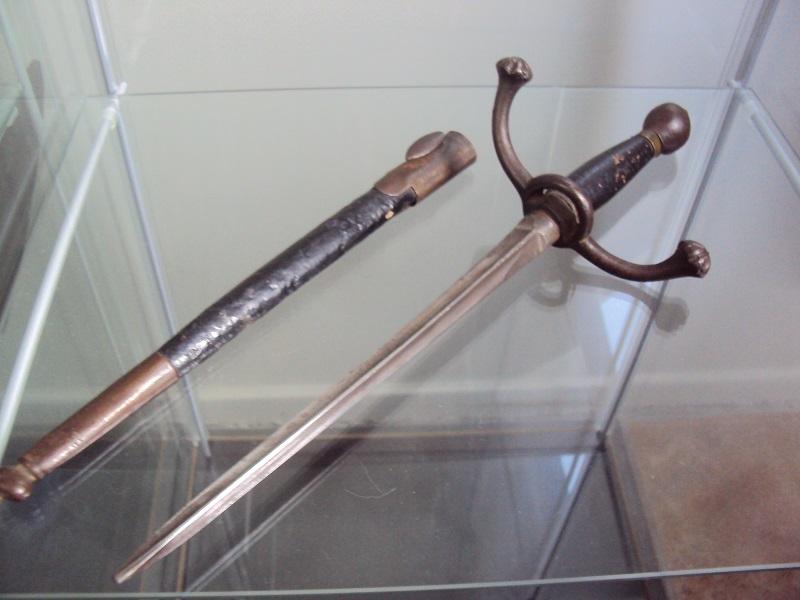 Petite dague  Dsc04227