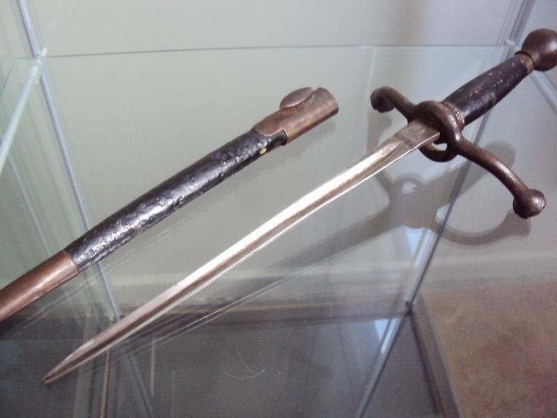 Petite dague  Dsc04228