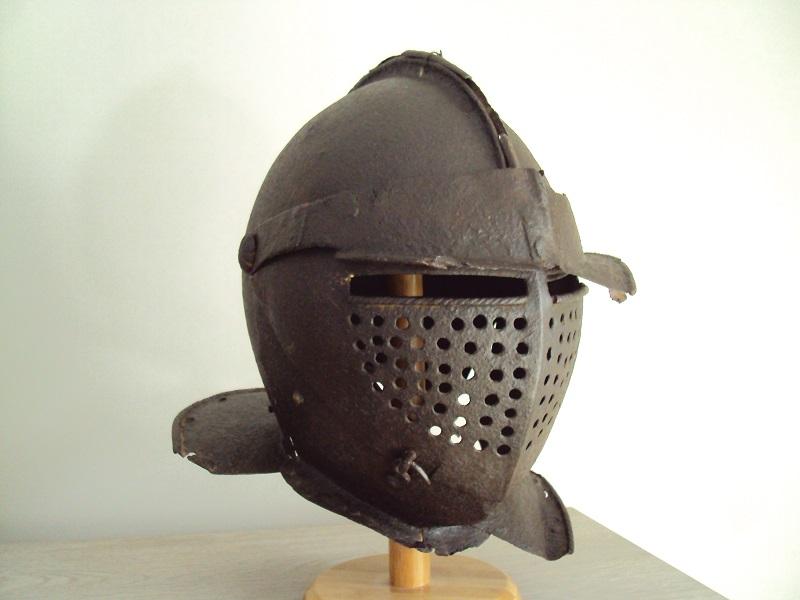Casque: armet de munition vers 1600-1640 Dsc05319