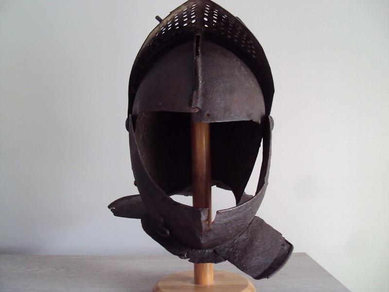 Casque: armet de munition vers 1600-1640 Dsc05332