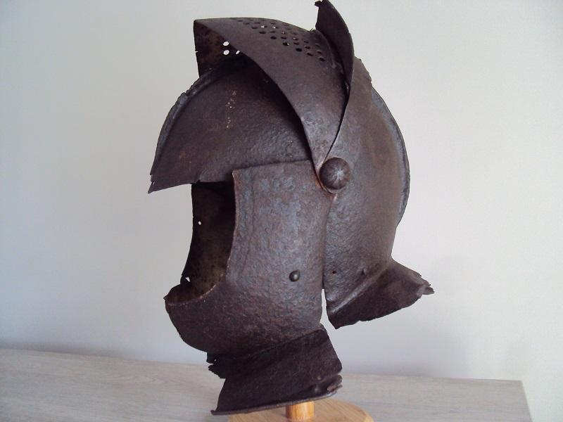 Casque: armet de munition vers 1600-1640 Dsc05334