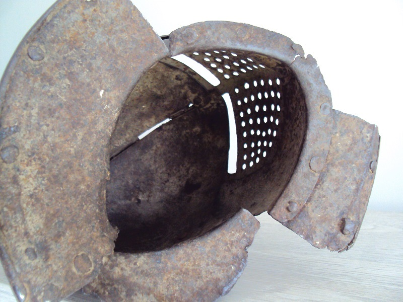 Casque: armet de munition vers 1600-1640 Dsc05336