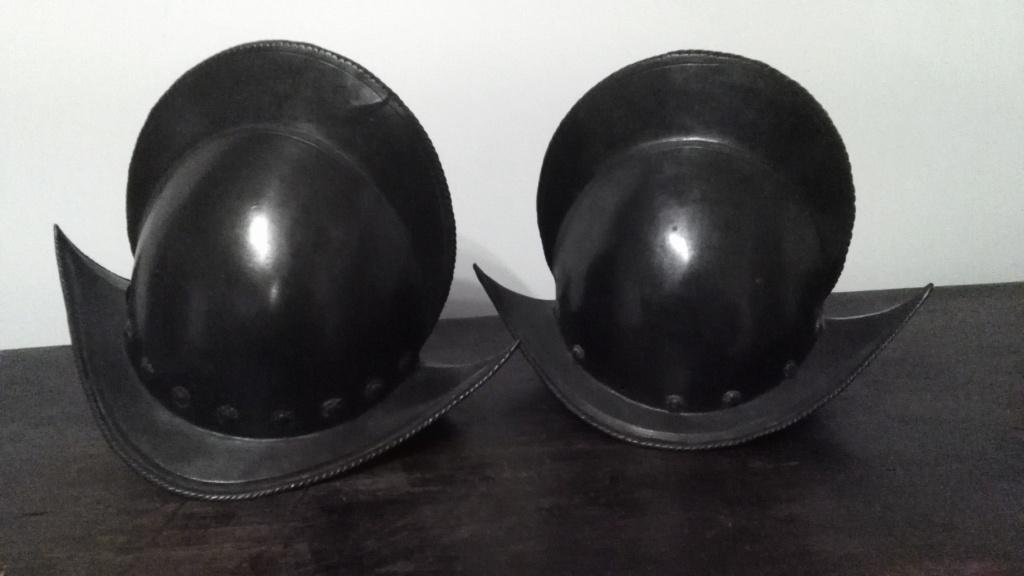 Un beau casque morion du XVI ème siècle Img_2139