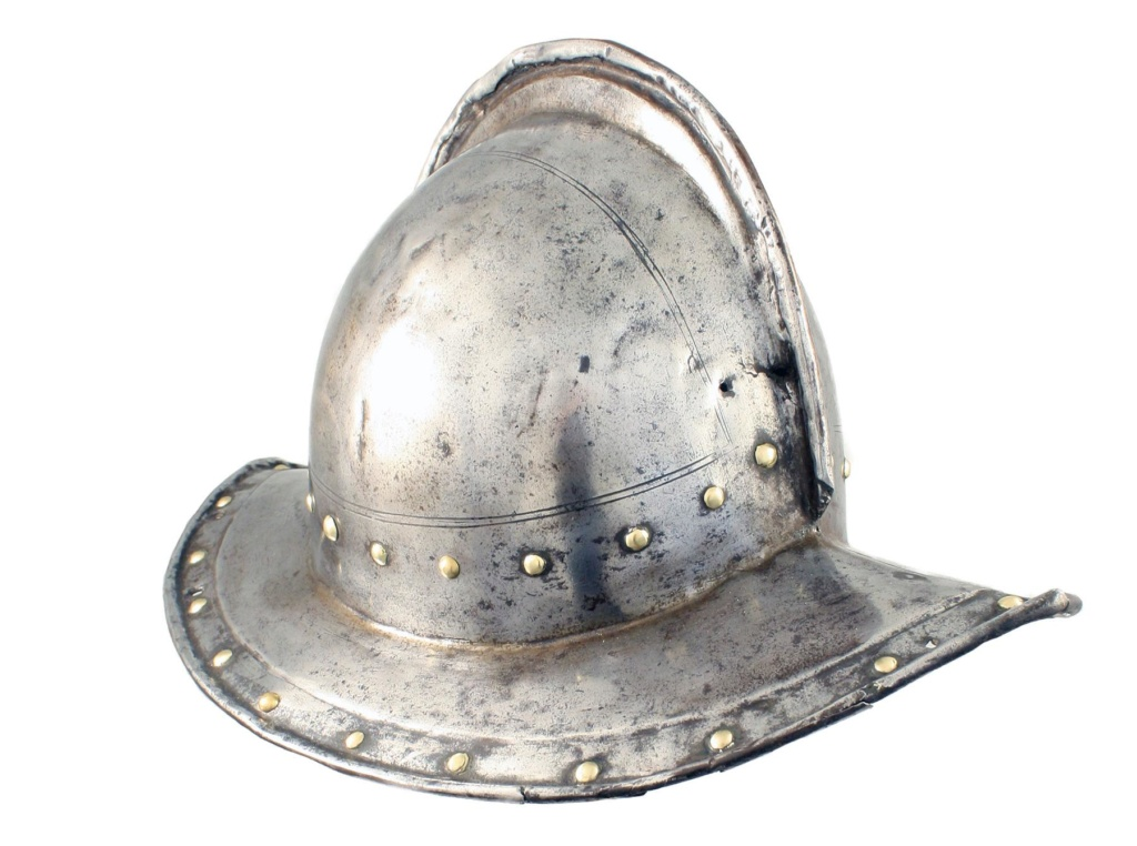 Un beau casque morion du XVI ème siècle Phpthu11