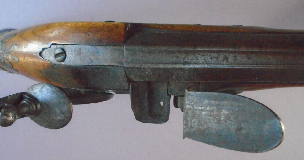 Long pistolet à silex fin 17ème début 18ème S-l16015