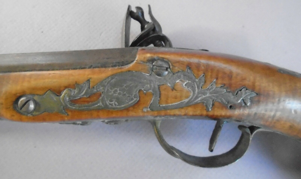 Long pistolet à silex fin 17ème début 18ème S-l16024