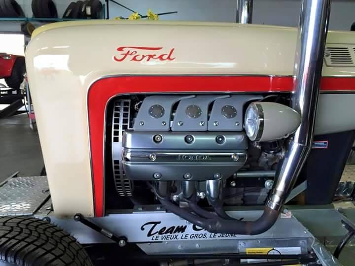 tracteur Ford motorisé par.... 11059810