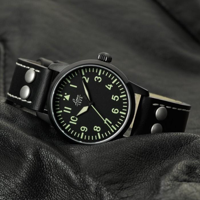 Première montre pour 30 ans < 1000 euros (Archimede ?) Laco_l10