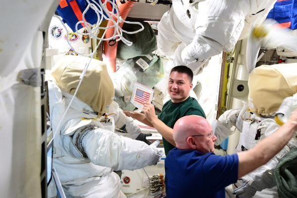 [ISS] EVA 32 et 33, les 28 octobre et 6 novembre 2015 219