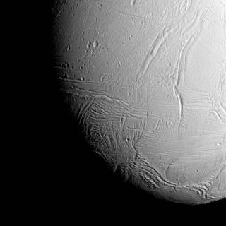 Cassini va s'approcher des geysers d'Encelade ... - Page 6 227