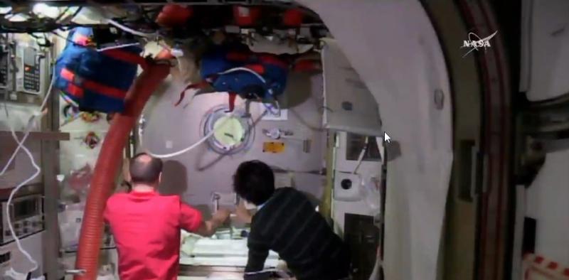 [ISS] EVA 32 et 33, les 28 octobre et 6 novembre 2015 Scree126
