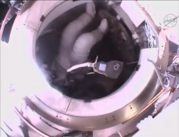 [ISS] EVA 32 et 33, les 28 octobre et 6 novembre 2015 Scree129