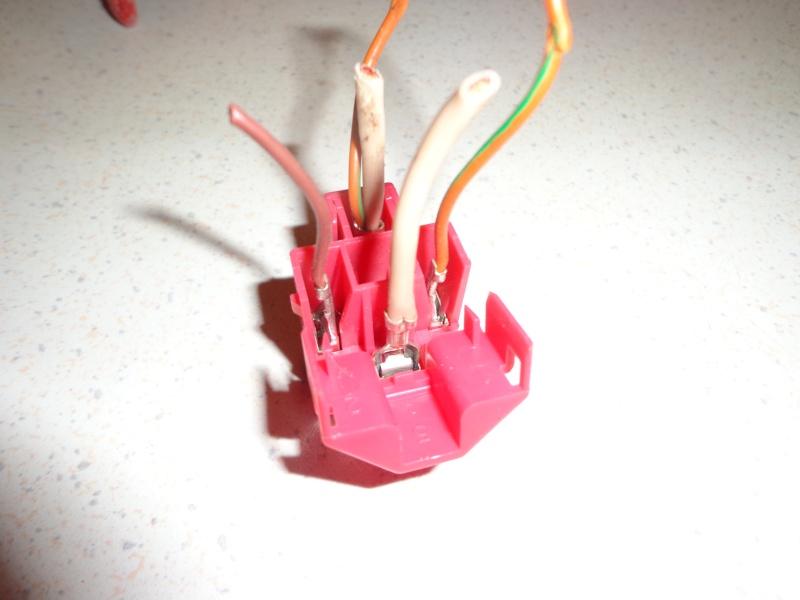 Gros souci electrique Dsc04610