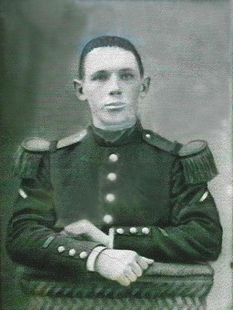 Un petit soldat de la grande guerre : portrait retouché. - Page 2 Sans_t11