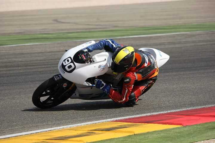 [Pit Laners en course!] Enzo Boulom ( Moto 3 Red Bull / FSBK) - Page 4 Enzo_b12