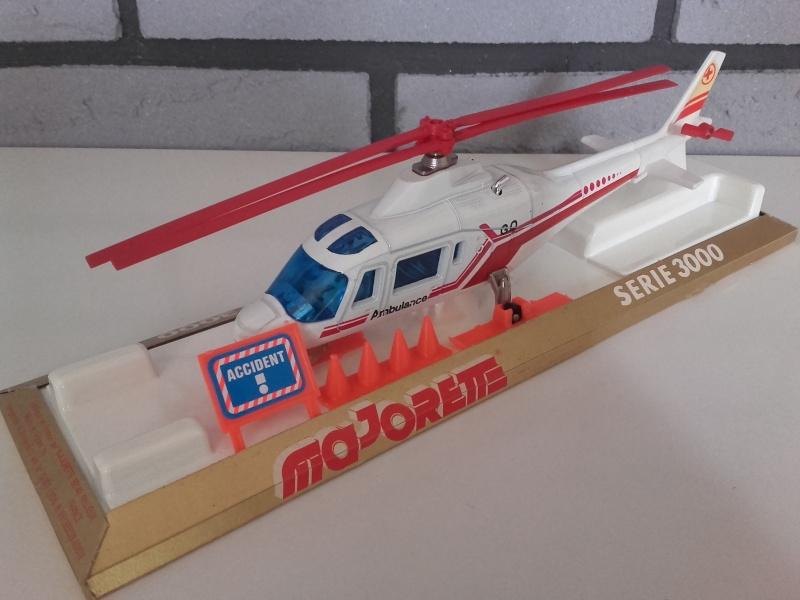 N°3043 Hélicoptère Agusta 109 20151016