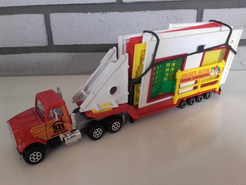 N°3093 White RoadBoss II Transport Maison Majokit 20151024