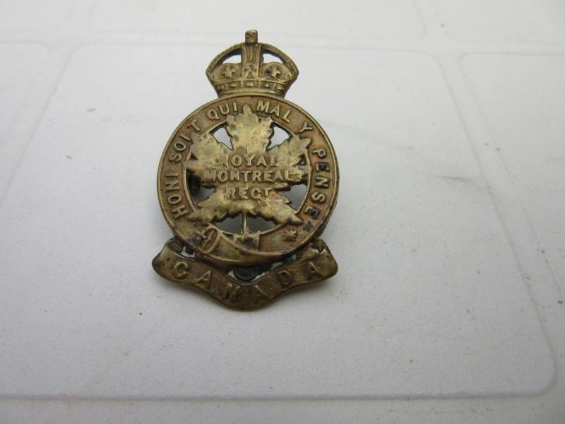 Cap badges canadiens WWI 14th_b10
