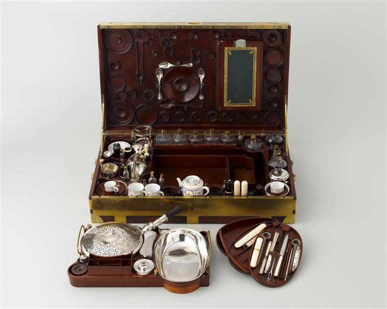 Nécessaires - Les nécessaires de voyage de Marie-Antoinette 07-52814