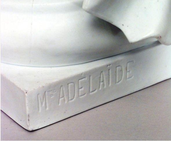 Buste de Mme Adélaïde, de Mme Clotilde, ou d'une inconnue (mais non pas de Marie-Antoinette) par Vavasseur ?  Captur46