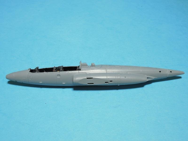 Fouga CM-175 Zéphyr-Spécial Hobby-1/72° (terminé) - Page 2 Dscn9312