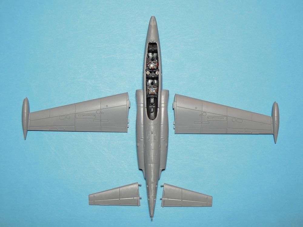 Fouga CM-175 Zéphyr-Spécial Hobby-1/72° (terminé) - Page 2 Dscn9414
