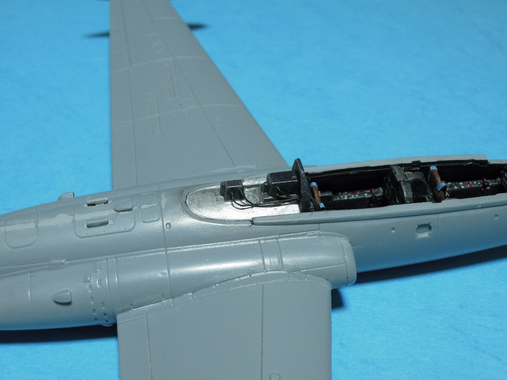 Fouga CM-175 Zéphyr-Spécial Hobby-1/72° (terminé) - Page 3 Dscn9426