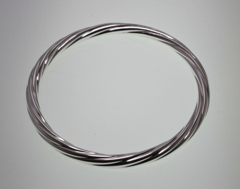 Bracelet torsadé en argent tube de 8/10ème écroui _mg_0610
