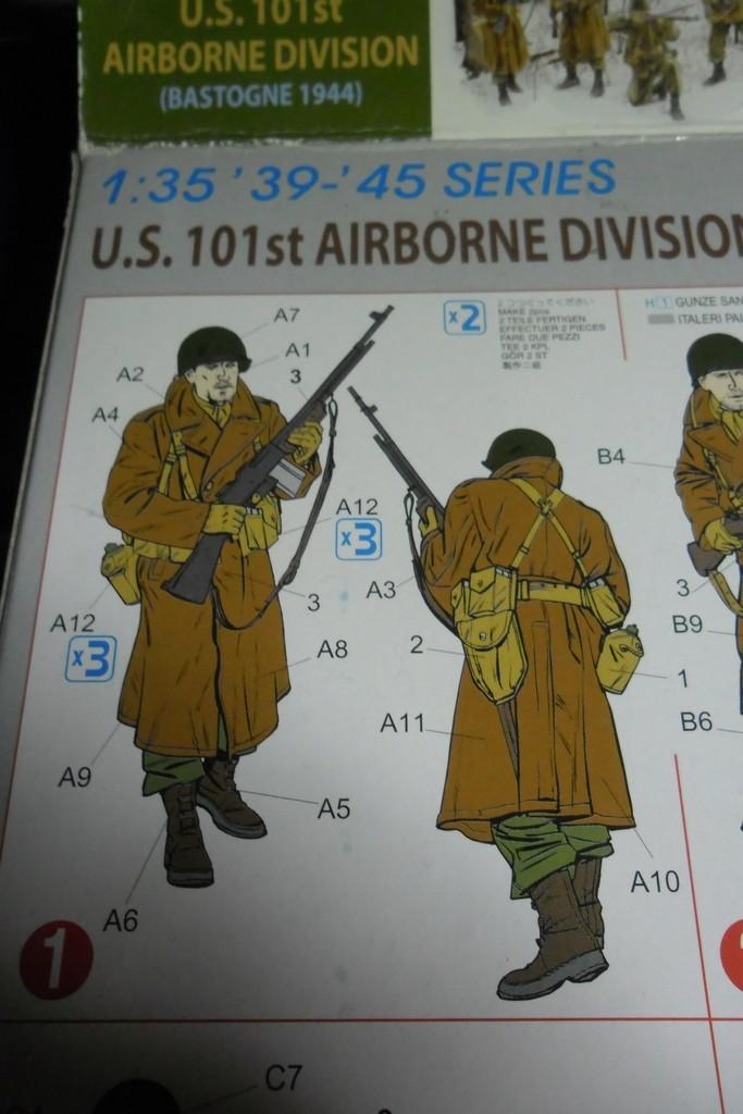 Bastogne 44 101 airborne 1/35 (Dragon 6163, Eduard TP500, Alliance Modelworks, Alpine) Acryliques, sous-couchage enamels. Sam_0758