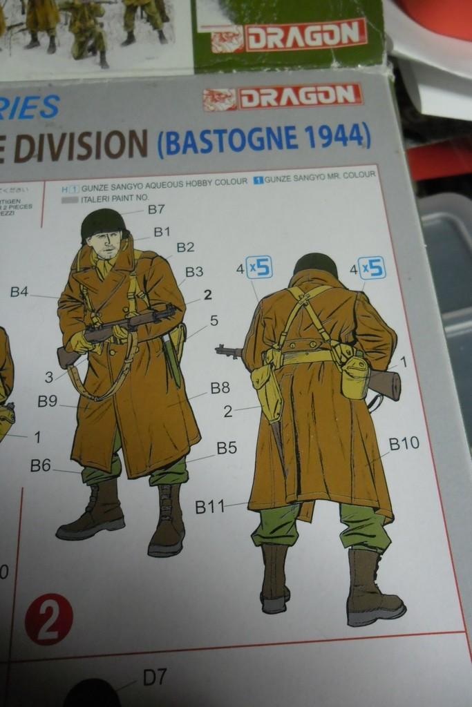 Bastogne 44 101 airborne 1/35 (Dragon 6163, Eduard TP500, Alliance Modelworks, Alpine) Acryliques, sous-couchage enamels. Sam_0759