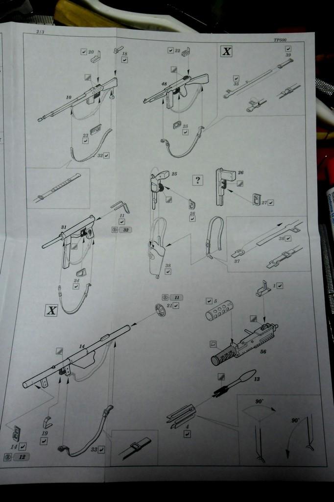 Bastogne 44 101 airborne 1/35 (Dragon 6163, Eduard TP500, Alliance Modelworks, Alpine) Acryliques, sous-couchage enamels. Sam_0763