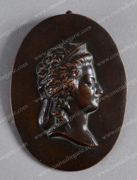 Vente de Souvenirs Historiques - aux enchères plusieurs reliques de la Reine Marie-Antoinette - Page 2 14468710