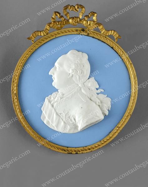Vente de Souvenirs Historiques - aux enchères plusieurs reliques de la Reine Marie-Antoinette - Page 2 14468810